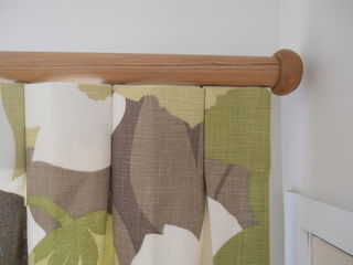 Inverted pleats on Wooden Rod