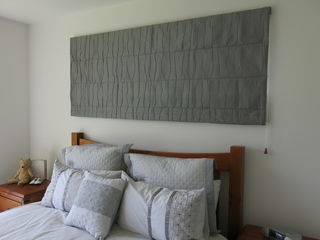 Roman Blind in Wrinkle fabric